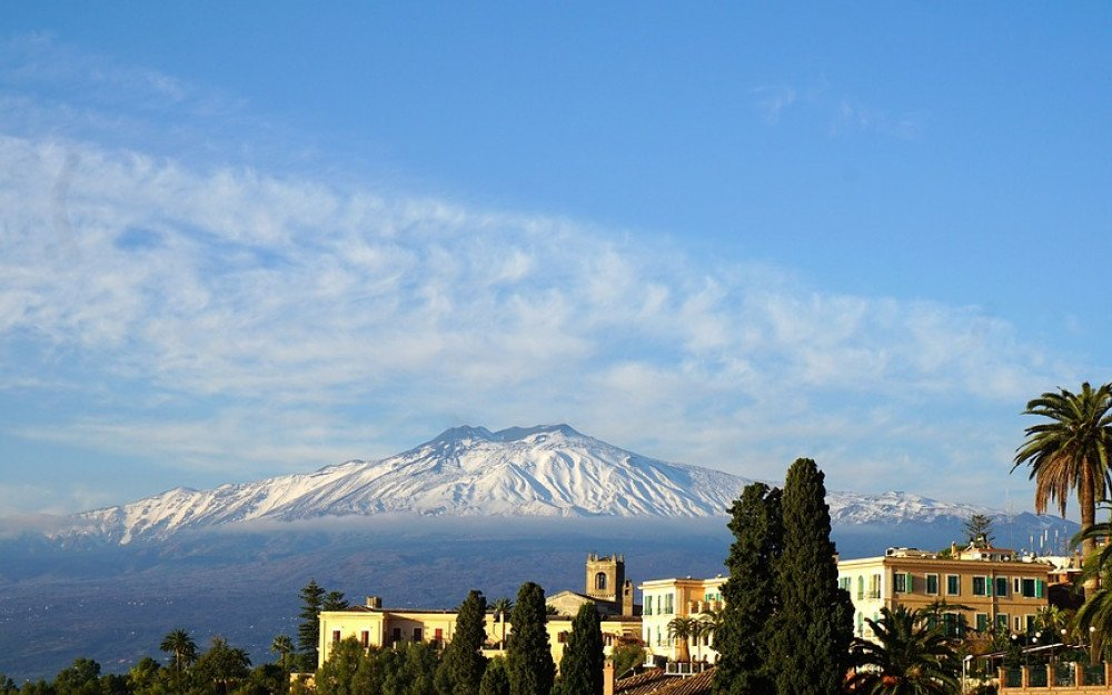 A Guide to Mount Etna - Europe's Largest Active Volcano