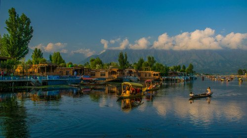Paradise on Earth: An Introduction to Kashmir